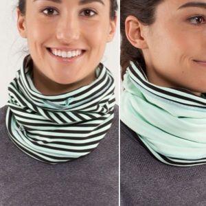 3/$20 Lululemon Brisk Run Rulu neck warmer mint